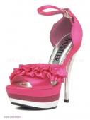 Розовые босоножки  с серебристым каблуком
